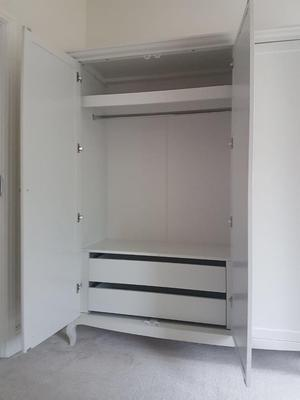 Wardrobe white 3 door