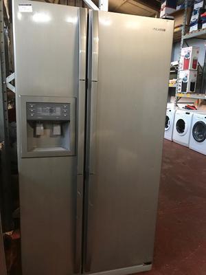 Ex-Display Samsung DAA American Style Large Fridge Freezer Graphite - 3 Month Warranty