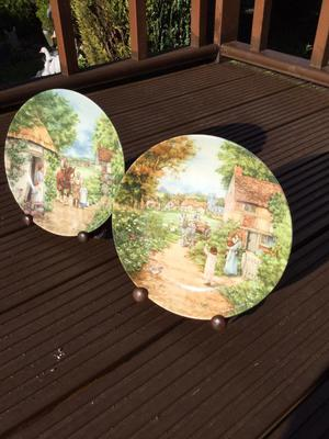 Wooden plate hinged display stands x2