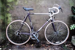 RALEIGH SCORPIO. 23.5 inch, 59 cm. Vintage racer racing road bike, 12 speed