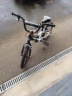Boys 16 inch Giant bike
