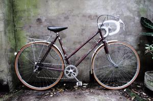 FALCON. 21 inch, 54 cm. Vintage ladies womens racer racing road bike, 5 speed