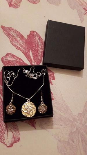 18ct yellow gold plated Necklace & Earrings Set