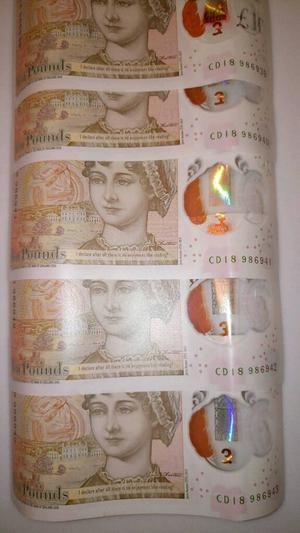 Consecutive £10 notes - CD serial numbers