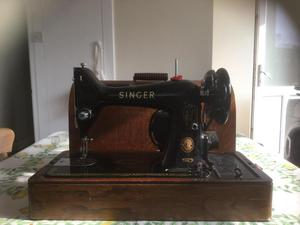 Vintage singer 99k sewing machine with reverse and lid