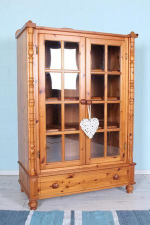DELIVERY OPTIONS - PINE DISPLAY CABINET, WITH GLASS DOORS 3