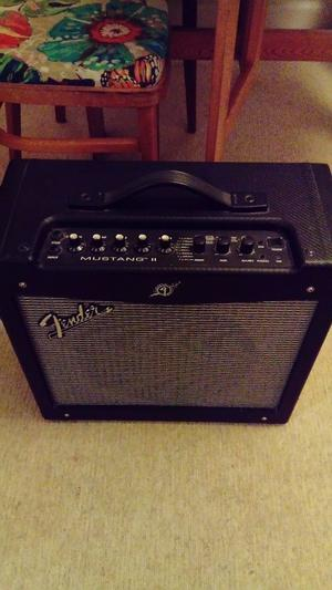 Fender mustang guitar amp, works perfectly and in great condition