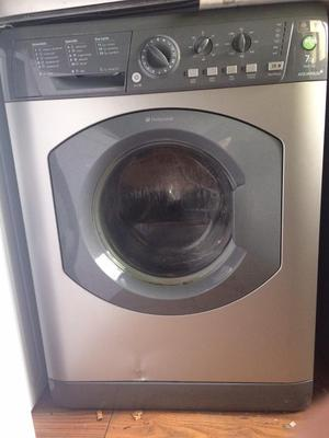 Hotpoint machine 7kg rpm Small dint on front free local delivery and fitting