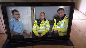 Philips Cineos ambilight 42 inch plasma hd tv built in freeview
