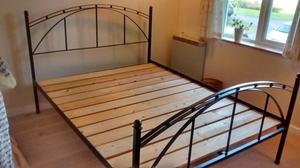 UK Kingsize Iron Bedframe