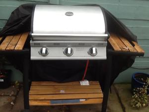3 Burnr Gas Barbeque