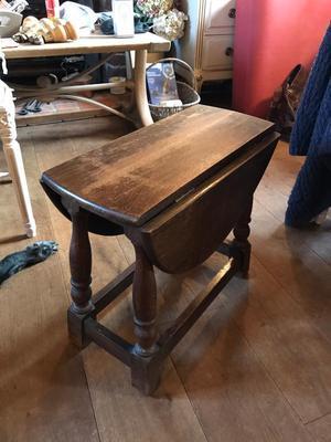 Oak lamp table/side table