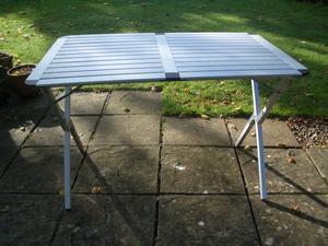 Folding Aluminium table