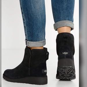 UGG BOOTS KRISTIN WOMENS SHEEPSKIN BOOT (BLACK)