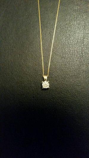9ct gold diamond solitaire necklace.pendant.