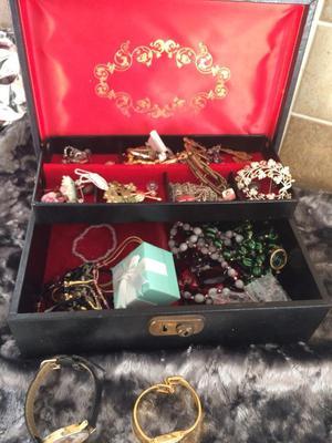 Job lot vintage jewellery spares repairs
