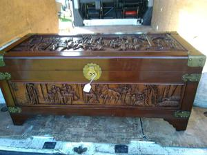 Large Chinese trunk blanket box
