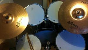 5 piece drum kit with Zildjian cymbals