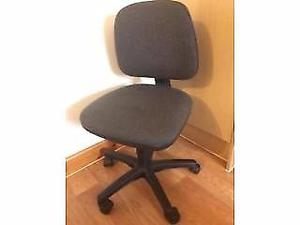 Computer/ Office chair, Grey, Excellent Condition, For only £5