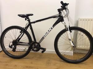 Giant Mountain Bike (Bicycle) Black & White - Good Condition