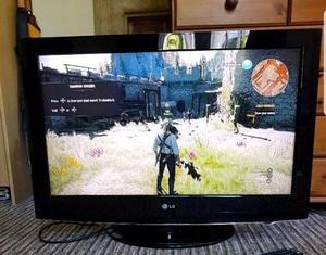 """LG 32"""" FULL HD LCD TV WITH FREEVIEW"""
