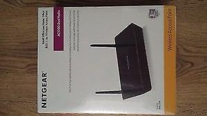 NEW! Netgear WACUKS Wac104 Radio Access Point 4 Ports A/B/G/N/Ac D BRAND NEW BOX SEALD