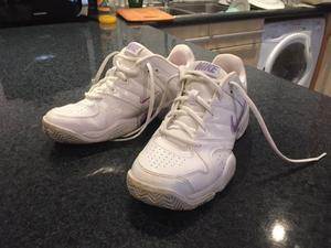 Nike Women's trainers size 6.5 / leather / 'city court' / white & pink