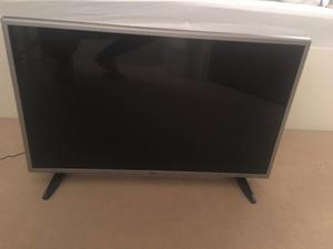 32'' LG TV - With Freeview