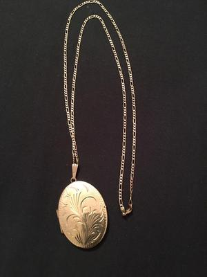 9CT GOLD HALLMARKED LARGE LOCKET AND CHAIN