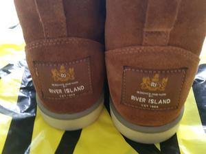 BRAND NEW river island hug boots SIZE 7