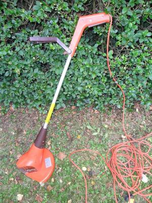Flymo Electric Strimmer, 25 cm, 350 W. Good working order.