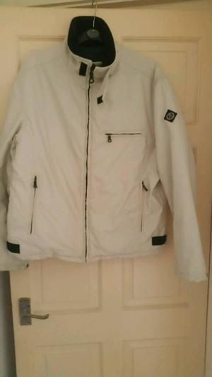 Henri lloyd coat in white