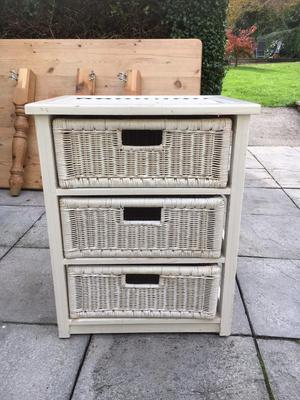 Rattan Set of 3 drawers in shabby chic white