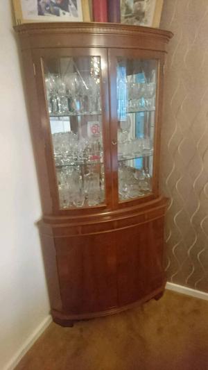 Solid wooden corner display unit