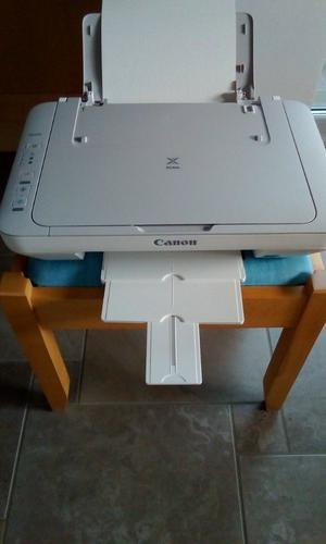 CANON PIXMA MG. Printer/Copy & Scan. 2 sets of colour and black ink cartridges