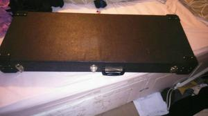 Electric guitar hard case strat / tele good condition solid case £25 WILL POST WITHIN THE UK FOR £7