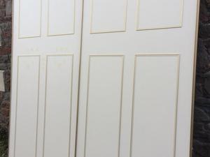 One pair of wardrobe sliding doors