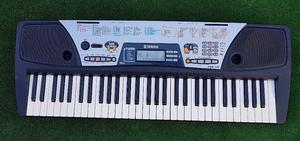 YAMAHA PSR 175 Electronic Music Keyboard 61 Key Organ Piano Synthesizer, Stagg Sustain Pedal