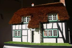1/12th Scale Handmade Thatched Cottage Dolls House