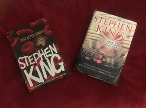 2x Stephen King HB bookd