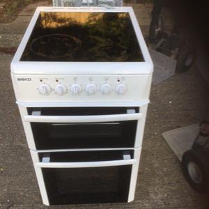 50 cm wide electric cooker in mint condition with a three months warranty