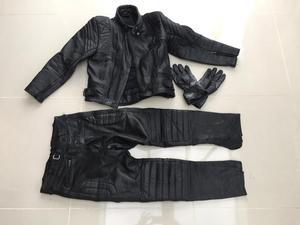 Akito / J&S black motor bike leathers two piece - (zipped