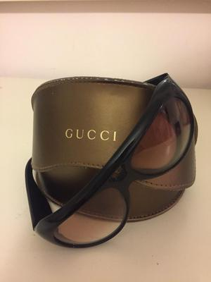 Authentic ladies Gucci sunglasses with box