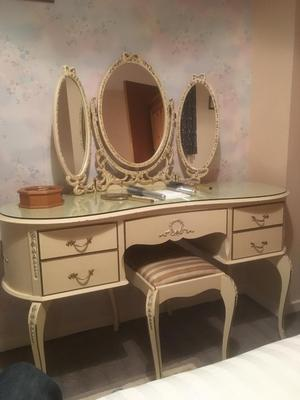 Dressing table mirror and seat