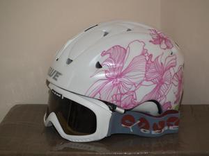 Ladies Ski Helmet and Goggles