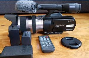 Sony NEX-VG20 video/photo camera. APC-S sensor, big zoom