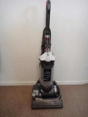 Dyson DC 33 vacuum cleaner with tools, cleaned and ready for use. can possibly deliver