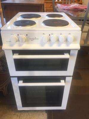 White electric cooker, hardly used excellent condition