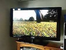 Samsung LE-40B530P7W p HD LCD Tv freeview hdmi