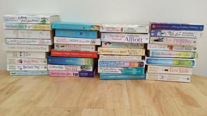 BIG BUNDLE OF WOMENS BOOKS